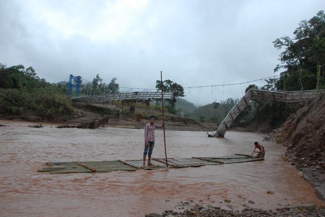 Cầu treo tại tĩnh Điện Biên